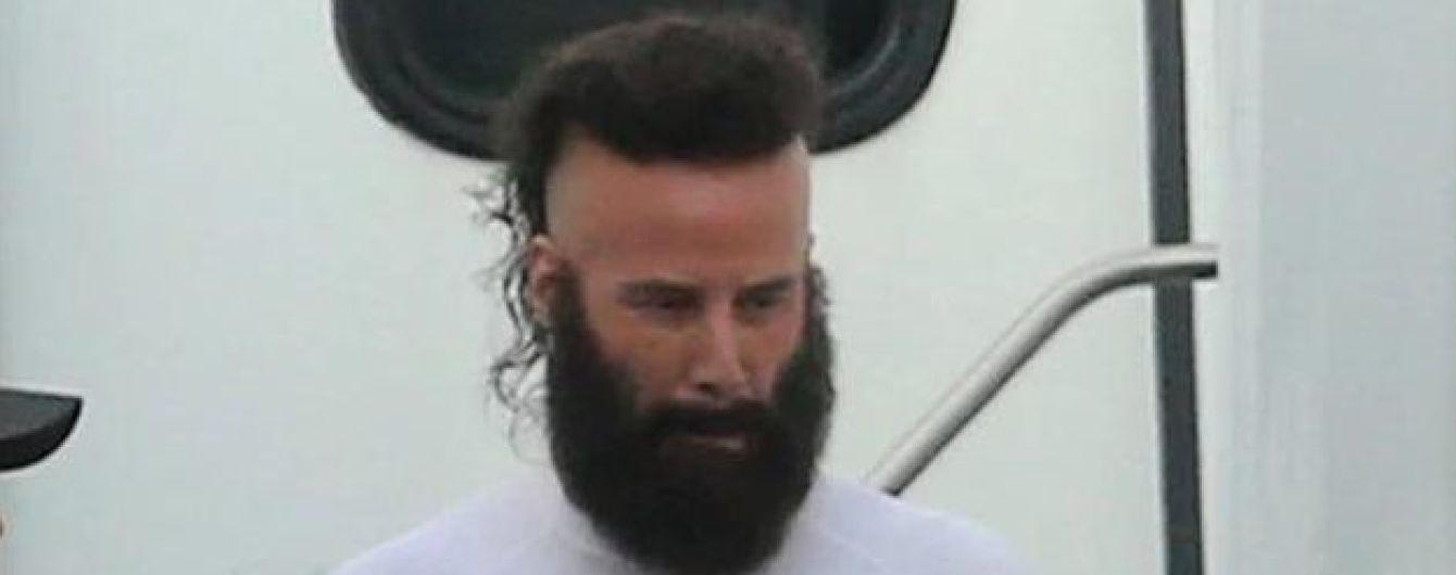 Неузнаваемый Киану Ривз с ирокезом и бородой озадачил юзеров