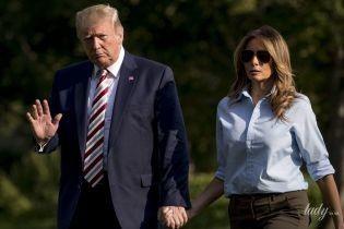 В брюках цвета хаки и на шпильках: Мелания Трамп вернулась с мужем из уикенда