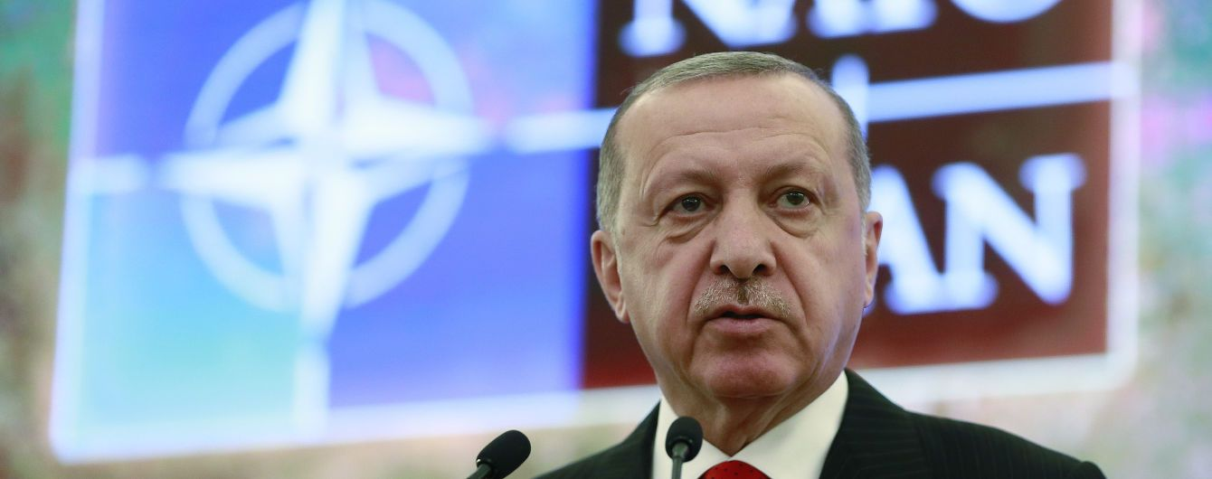 Зеленский летит на встречу с Эрдоганом и Варфоломеем