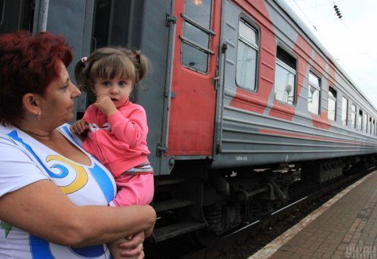 Мінсоцполітики назвало кількість переселенців з окупованого Донбасу і Криму