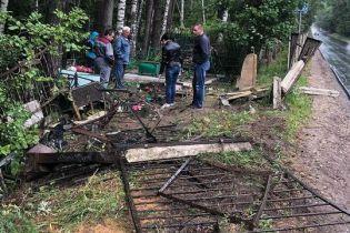 В РФ п'яні десантники просто по могилах проїхалися машиною