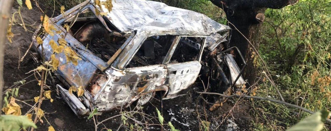 """На Полтавщине после аварии заживо сгорел водитель """"Жигулей"""""""
