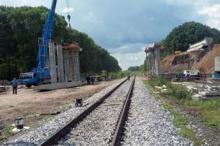 Зведення важливого мосту на трасі Вінниця – Умань показали на фото