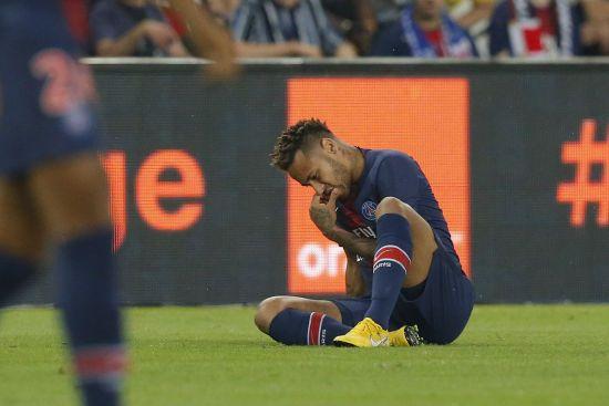 """Бразильські страждання. Неймар ображений на ПСЖ через зірваний трансфер до """"Барселони"""" - ЗМІ"""