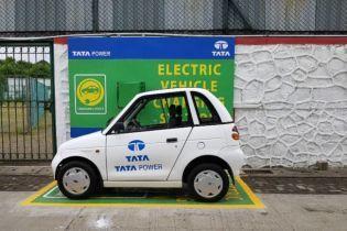 Індійський автогігант будує масштабну зарядну мережу