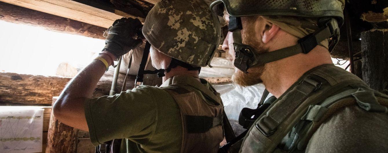 На Донбасі бойовики обстріляли з гранатометів українські позиції