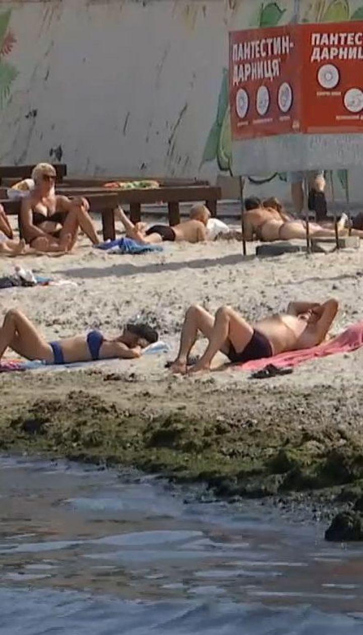 Экологи не рекомендуют купаться на одесских пляжах после недавней непогоды