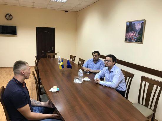 """Політв'язень Стешенко розповів історію появи відео """"зізнання"""" в """"злочині"""""""