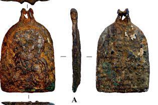 Найдена в Житомире нательная иконка оказалась редкой, ей до 900 лет. Фото до и после реставрации