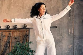 Танцуя в пижаме: Маша Ефросинина показала свое счастливое утро