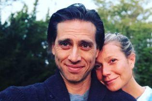 Гвинет Пэлтроу почти через год после свадьбы съезжается с мужем