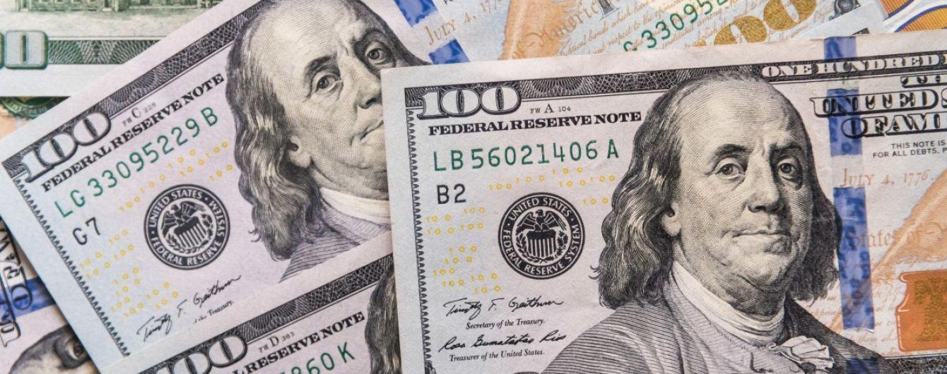 Вартість долара повзе донизу у курсах НБУ на 9 серпня