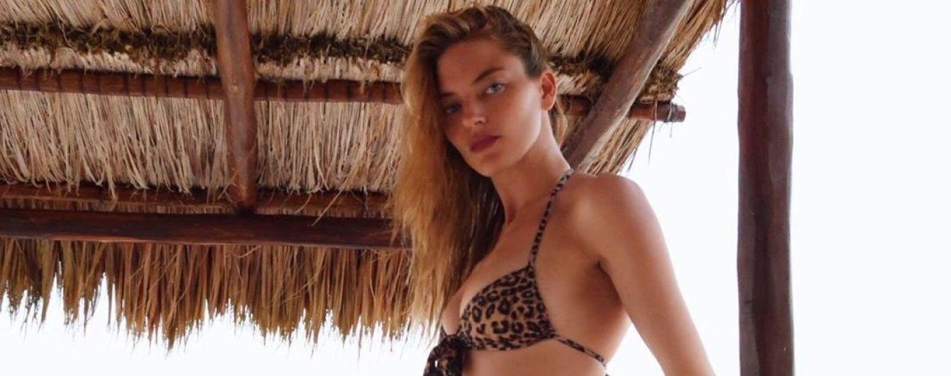 """В леопардовом бикини: """"ангел"""" Марта Хант наслаждается отпуском"""