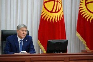 Прокуратура Киргизстану звинуватила експрезидента Атамбаєва у вбивстві поліцейського