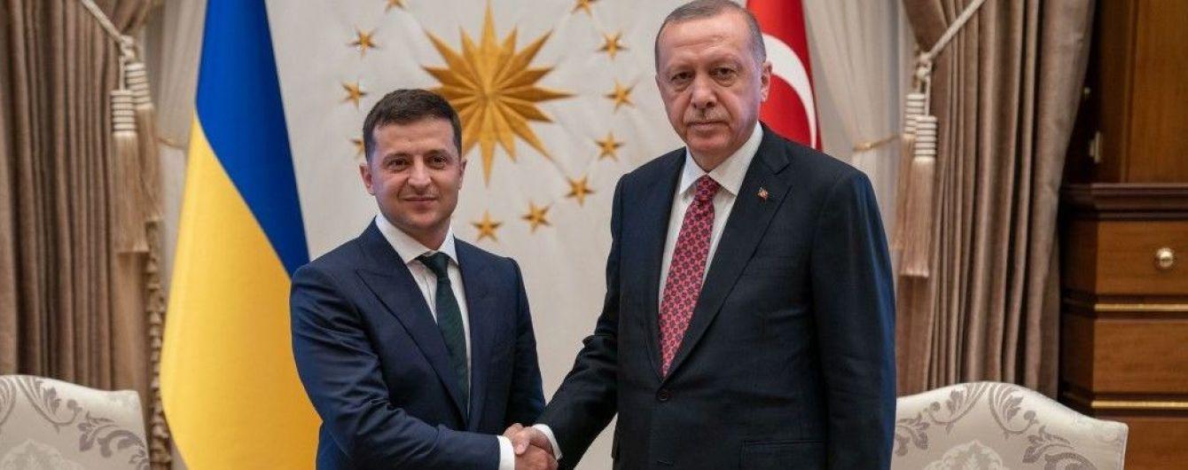 Зеленский с глазу на глаз беседует с Эрдоганом