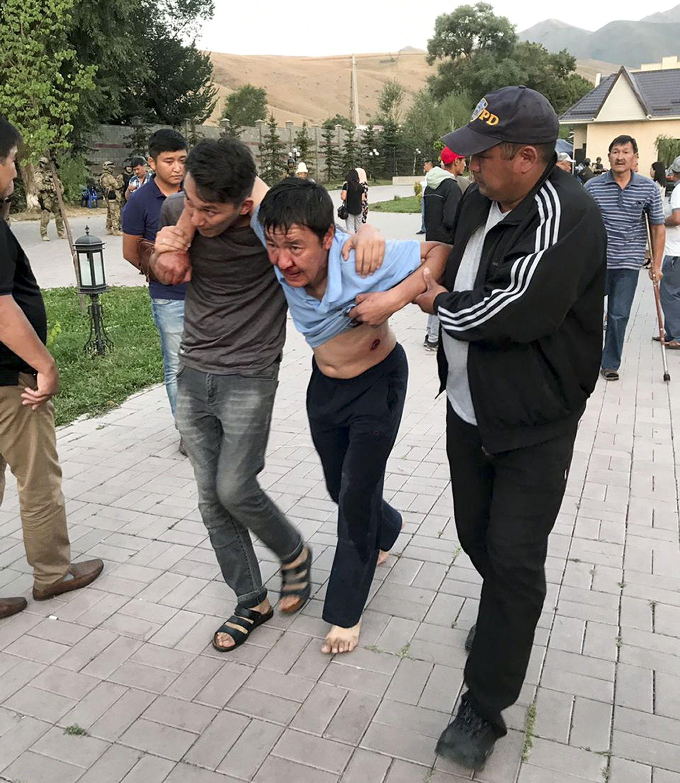 штурм резиденції Атамбаєва в Киргизстані_2