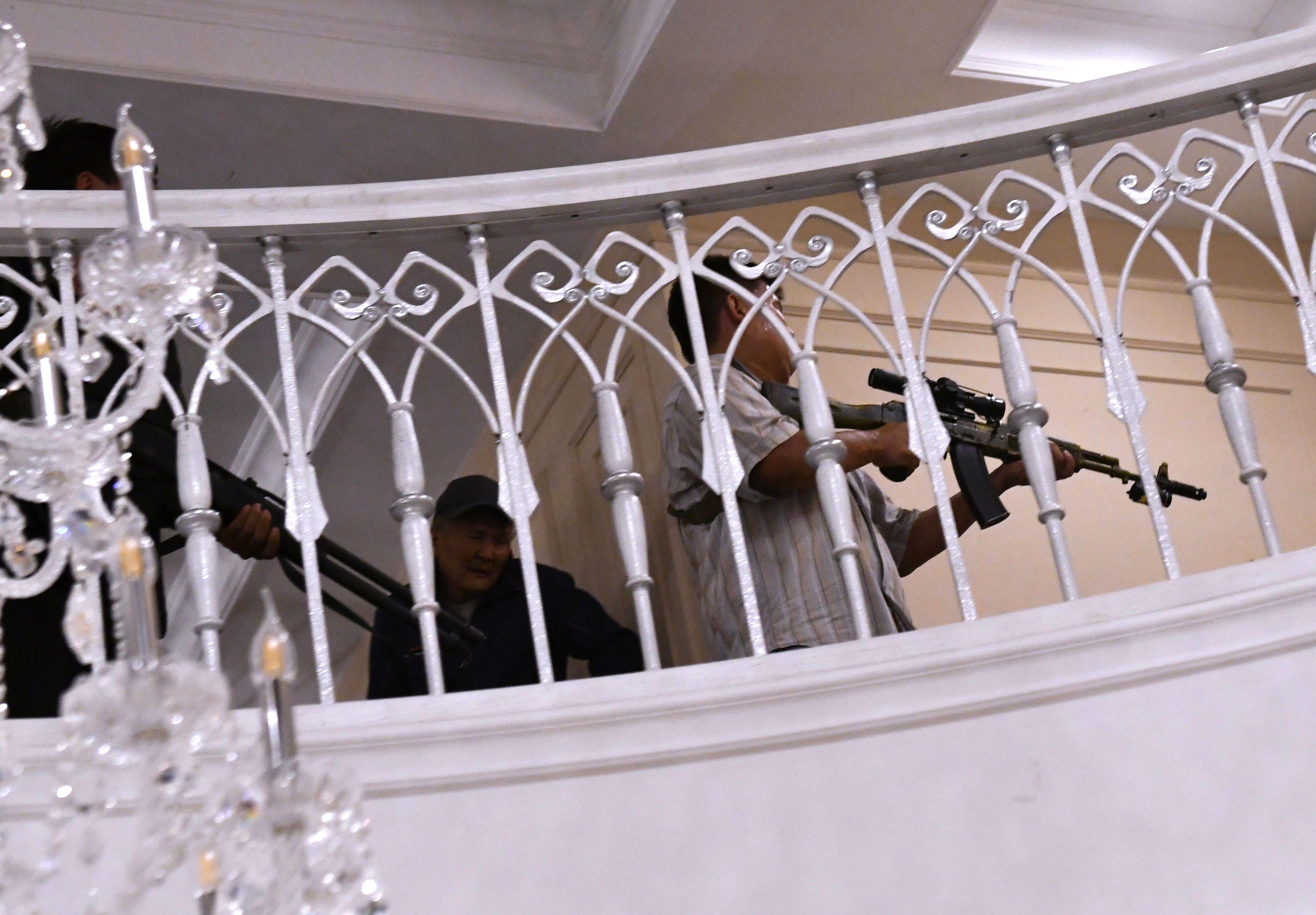 штурм резиденції Атамбаєва в Киргизстані_6