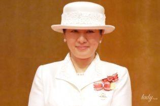 В костюме любимого цвета: императрица Японии Масако на торжественной церемонии