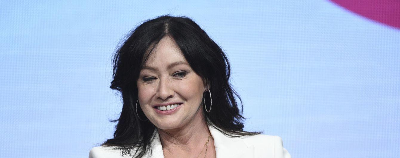 """Шеннен Доэрти призналась, что смерть Люка Перри подтолкнула ее к съемкам в новом """"Беверли Хиллзе"""""""