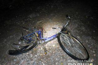 На Рівненщині п'яний підліток на батьковому авто збив на смерть велосипедиста