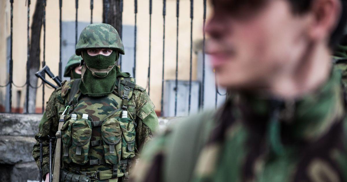"""Россия отправила """"гумконвоем"""" на Донбасс несколько сотен военных - штаб"""