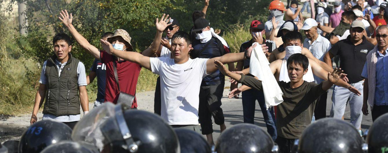 Появилось видео, как бывший президент Кыргызстана сдался спецназовцам