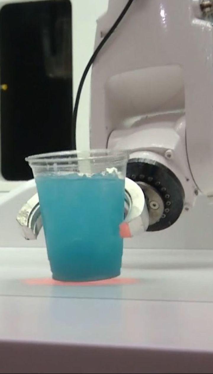 У Лондоні бармени змагались на вправність із сучасним роботом