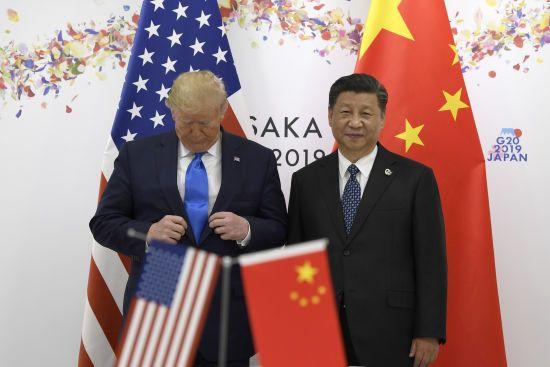 """""""Все буде добре"""". Трамп подякував владі Китаю за боротьбу з коронавірусом"""