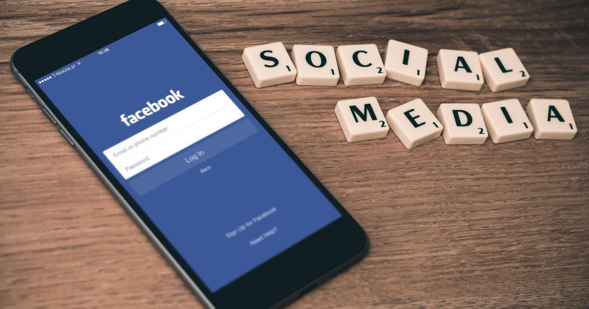 """Редакция """"Знай.uа"""" отреагировала на блокировку страницы в Facebook"""