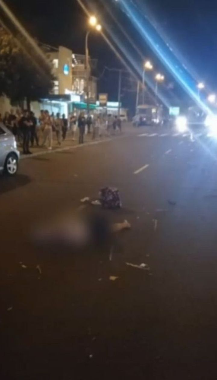 Під колесами легковика загинула 75-річна продавчиня квітів у Вінниці