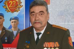 Спостерігач ОБСЄ на Донбасі постив у соцмережах прокльони українцям і прославляв бойовиків