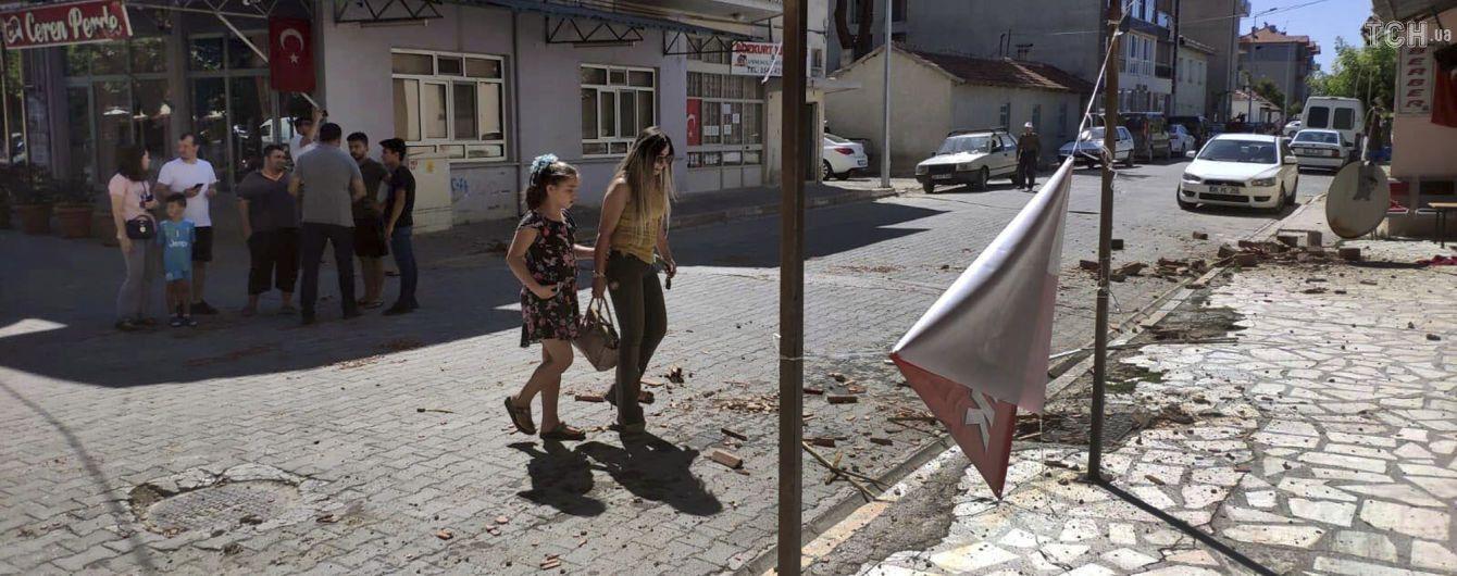 В Турции землетрясение повредило почти тысячу домов