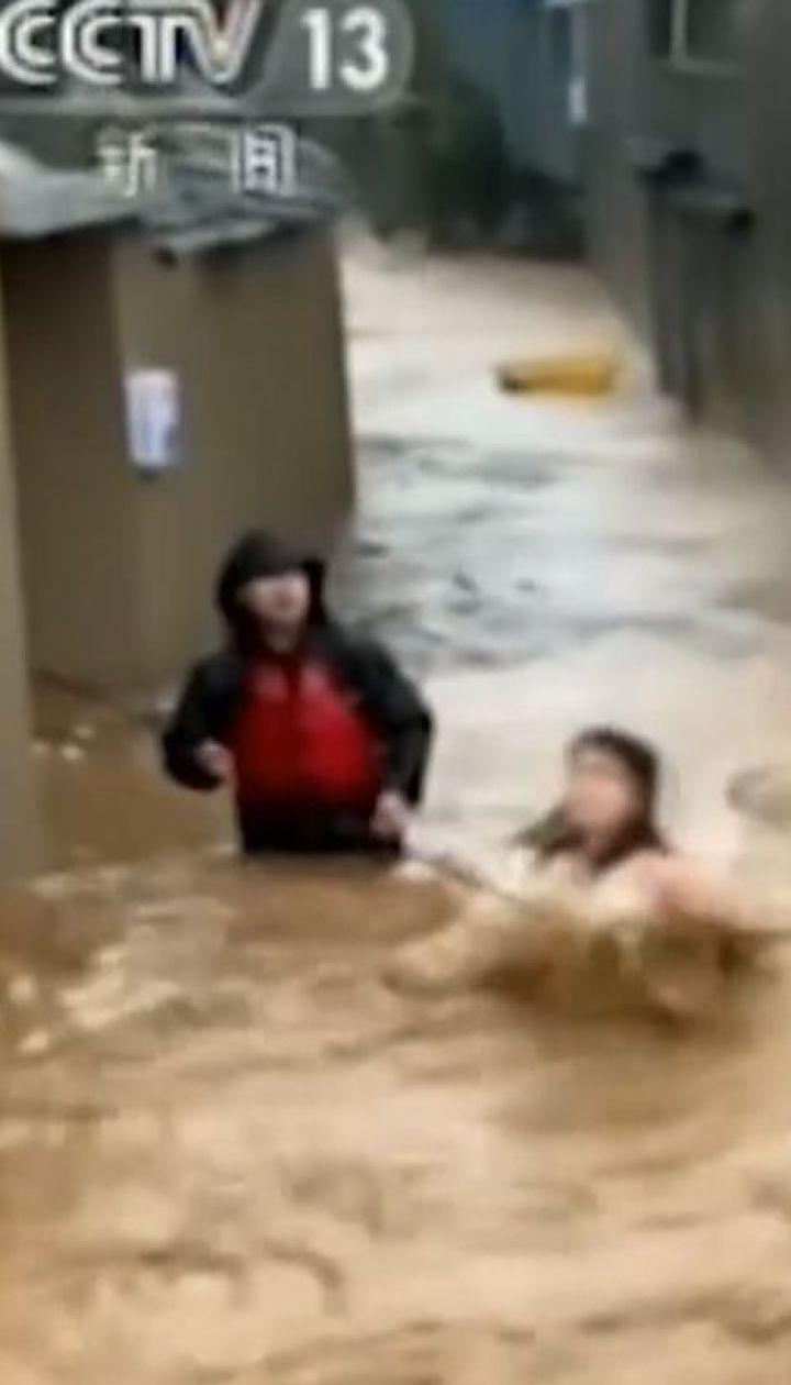 """Тайфун """"Лекіма"""" промчав сходом Китаю й забрав 18 життів"""