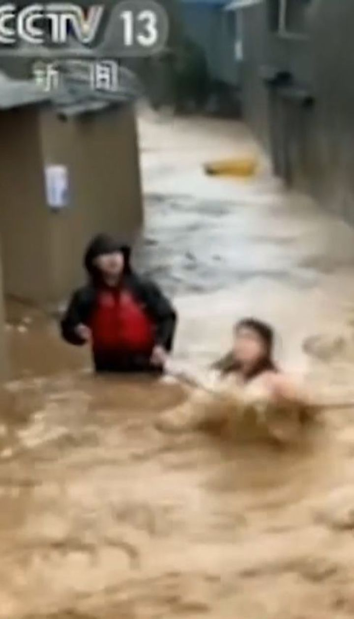 "Тайфун ""Лекима"" промчался востоком Китая и забрал 18 жизней"