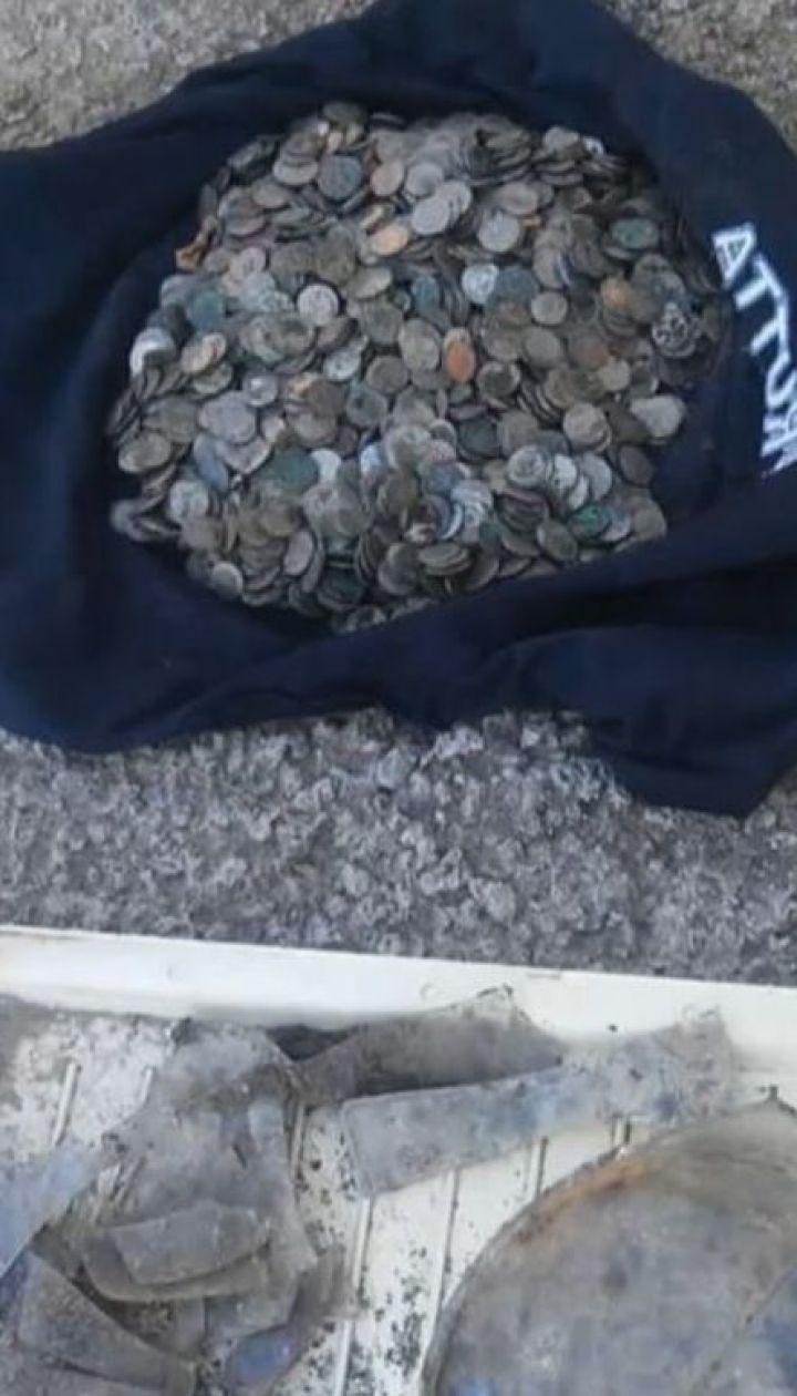 6 кілограмів польських монет випадково відкопали на Тернопільщині