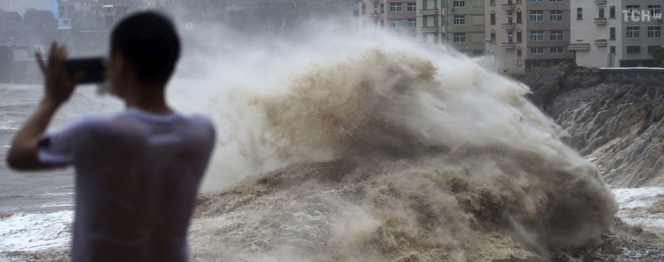 """Кількість жертв тайфуну """"Лекіма"""" в Китаї зросла до 18"""