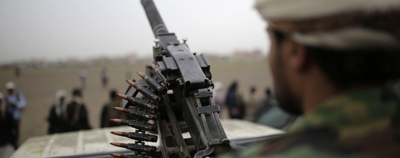 Захват дворца президента в Йемене: коалиция ответила авиаударом