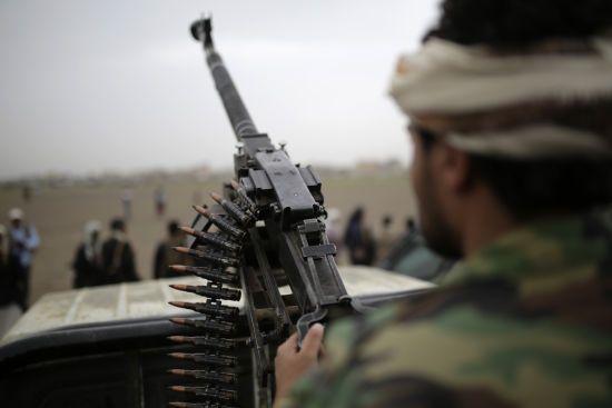 Захоплення палацу президента у Ємені: коаліція відповіла авіаударом