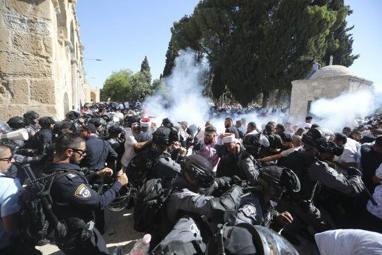Під час сутичок в Єрусалимі постраждали щонайменше 14 палестинців і четверо поліцейських
