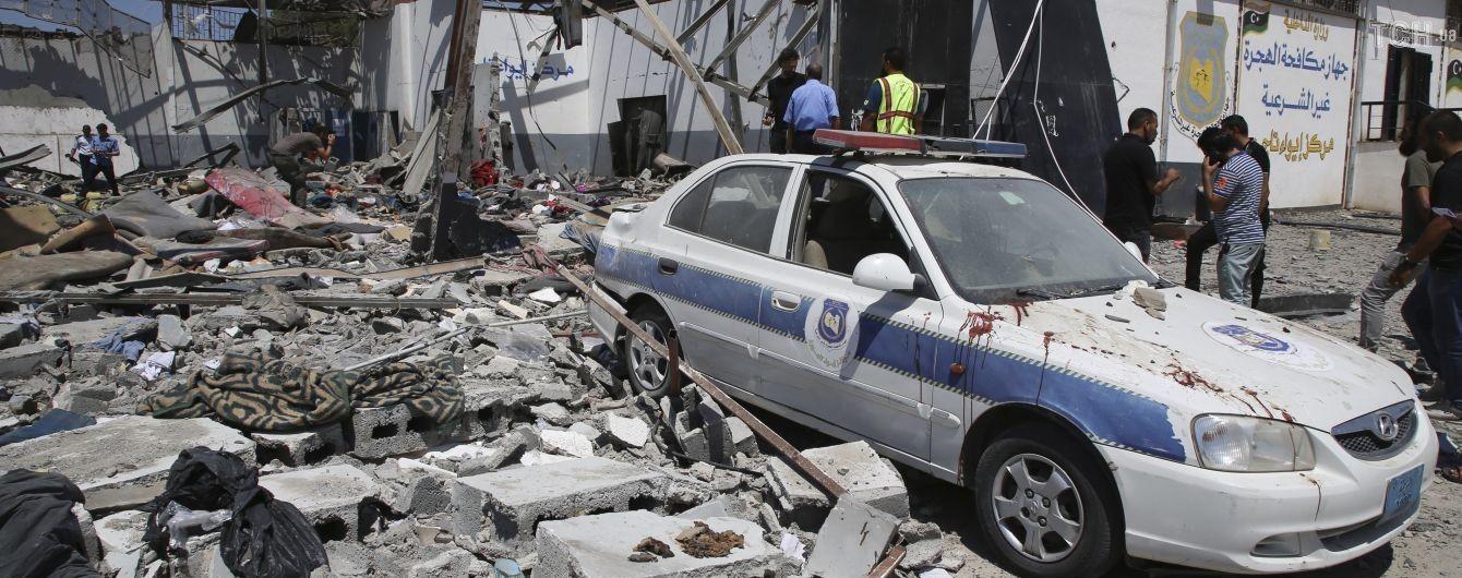 Аеропорт у столиці Лівії призупинив роботу після ракетного обстрілу