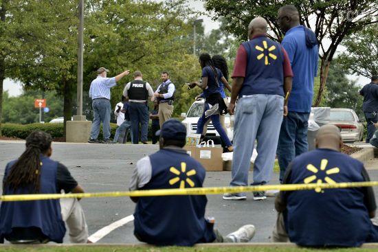 Після стрілянини в Ель-Пасо вісім магазинів Walmart отримали погрози. Більшість виявилися фейковими