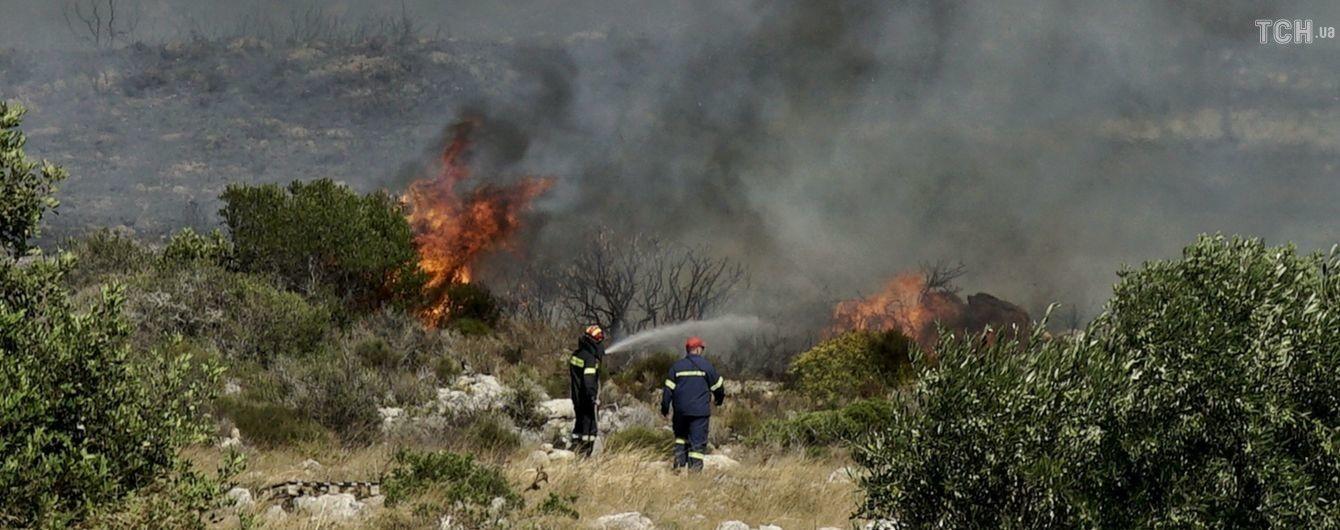 Греческий остров Элафонисос охватили пожары. Власти эвакуировали несколько тысяч туристов