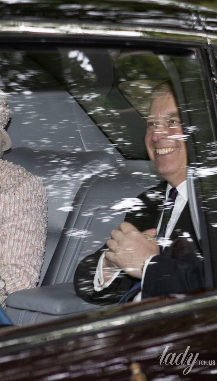 Королева Єлизавета II і принц Ендрю
