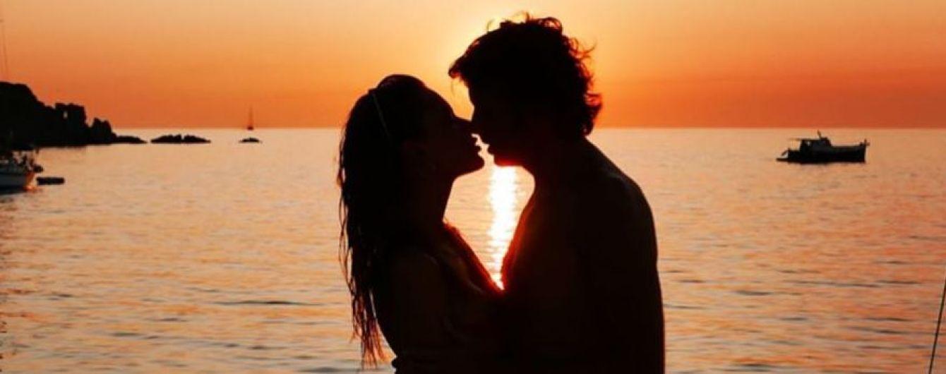 Немного романтики: Алессандра Амбросио была запечатлена за поцелуями с бойфрендом на яхте