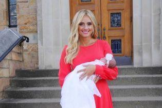 """""""Наша семья стала больше"""": Ирина Федишин показалась с младенцем на руках"""