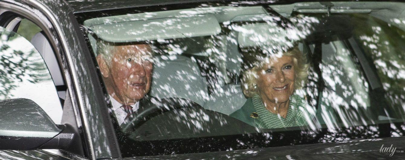 Попали в объективы папарацци: принц Чарльз и герцогиня Корнуольская в Шотландии