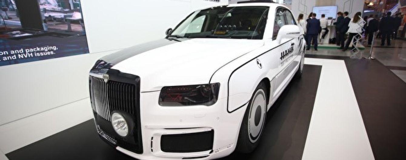 Президент Туркменістану пообіцяв купити всі моделі російських лімузинів Aurus