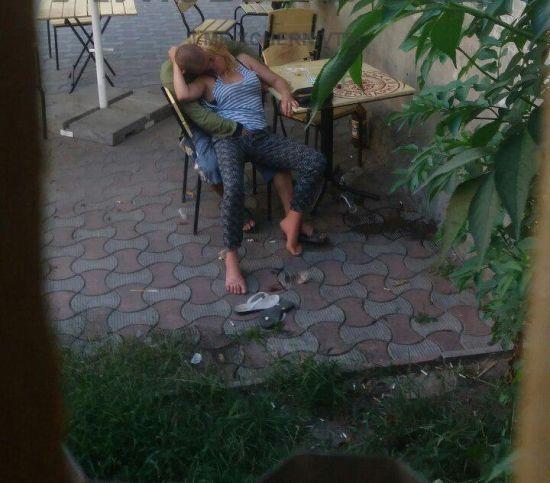 У Чернівцях зафільмували секс п'яної пари просто на вулиці