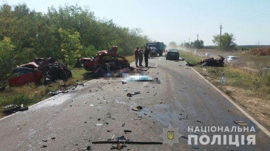 Смертельна автотроща під Одесою. В аварії загинули одразу чотири людини