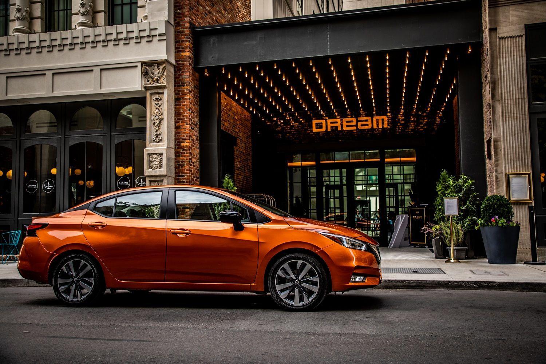 Nissan Tiida (Versa)_1